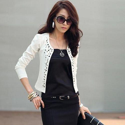 (Pre Order) สไตล์แฟชั่นผู้หญิงแจ็คเก็ตสูทสีขาว Rhinestone Rivet พัฟแขนยาวบางเสื้อสั้นสำหรับฤดูใบไม้ร่วงฤดูใบไม้ผลิ มี 2 ดำ,ขาว ไซส์S,M,L,XL