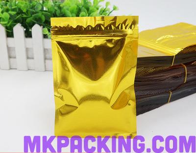 ซองสีทองวาว ซิปล็อค ตั้งไม่ได้ ขนาด 18x26cm