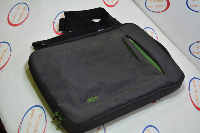(Sold out)STM Bag กระเป๋าใส่ Macbook 11-13 นิ้ว