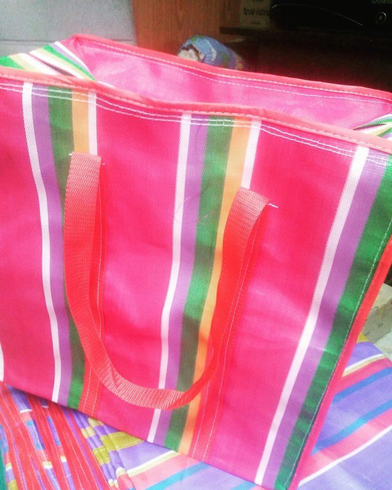 ถุงกระเป๋ากระสอบไนลอน 2 ชั้น SS ขนาด 40*40*30 cm. ราคาส่ง 110 บาท