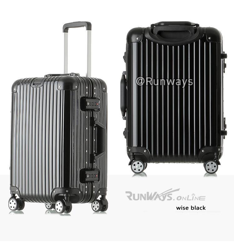 กระเป๋าเดินทาง By Runways สี Wise Black