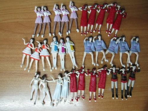 ฟิคเกอร์นักร้องสาว ขนาด 5 ซ.ม. ชุด 10 ตัว (งานญี่ปุ่น)
