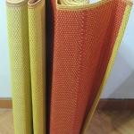 เสื่อพลาสติกเหลืองแดง ถวายวัด ขนาดกว้าง 90 cm.x ยาว 15 m.