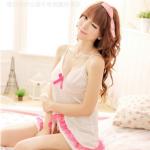 ชุดนอนผ้ามันสีขาว ตกแต่งโบว์สีชมพูน่ารักดูดีสุดๆ